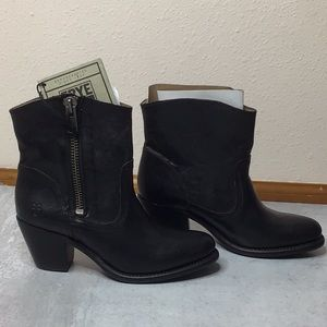 Frye Leslie Side Zip Black Ankle Boots Size 7.5